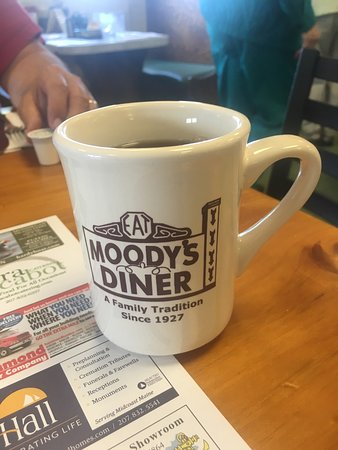 Waldoboro, ME: A must when you're heading north or south on US 1.  Great service, great American cuisine and de