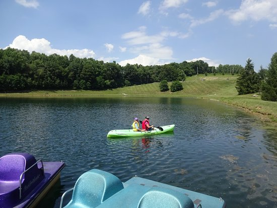 Macungie, PA: kayaking on their large pond