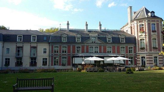 Busnes, Fransa: Le Château de Beaulieu