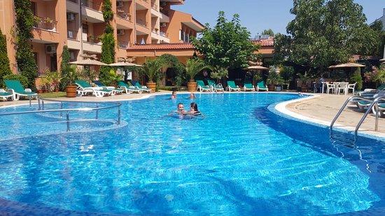 Hotel Liani : 20160822_121537_large.jpg