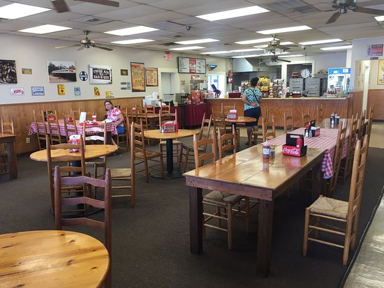 Fresh Air Bar-b-Que Of Macon: photo3.jpg