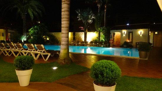 Torregrotta, Italia: La piscina