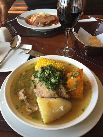Curacavi, Chili: Excelente lugar, atención amable y rápida, comida simple y muy rica.