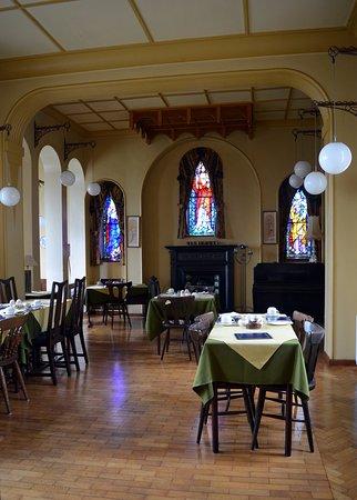 Leenane, Irlanda: The chapel where we ate a hearty breakfast