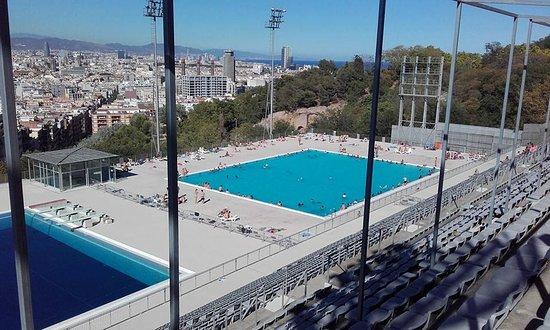 Vue des gradins picture of piscina municipal de montjuic barcelona tripadvisor - Piscina en barcelona ...