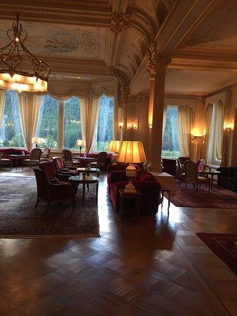 Grand Hotel Kronenhof: Entrance / Lobby