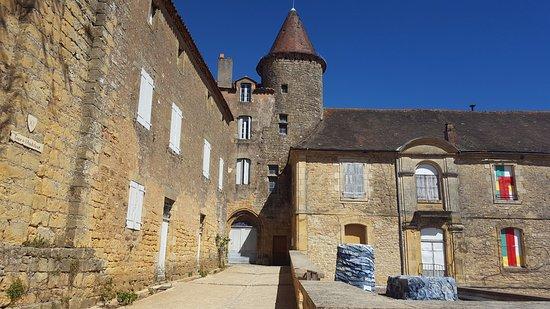 Бельв, Франция: 11th Century tower