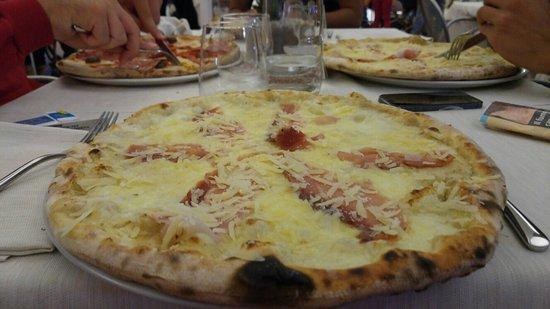 Nicolosi, Italia: 20160827_212557_large.jpg