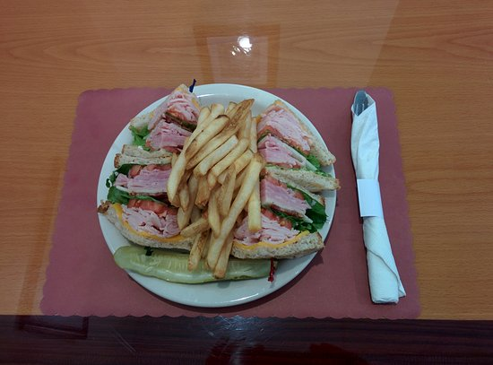 Hot Springs Village, AR : Club Sandwich and French Fries