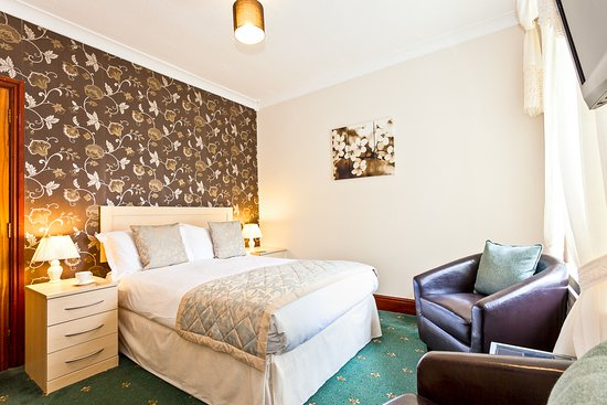 Kendal, UK: Double room with spa bath