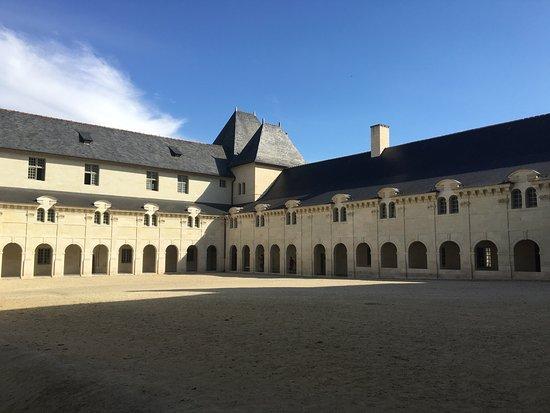 Fontevraud-l'Abbaye, Frankrike: photo3.jpg