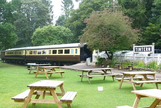 Tintern, UK: Carriages, information and tourist bits