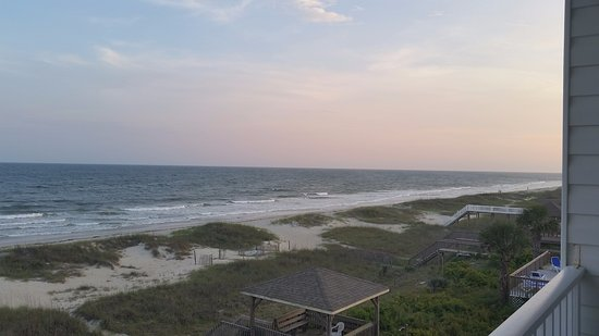 Ocean Isle Beach, Северная Каролина: View from balcony (evening).