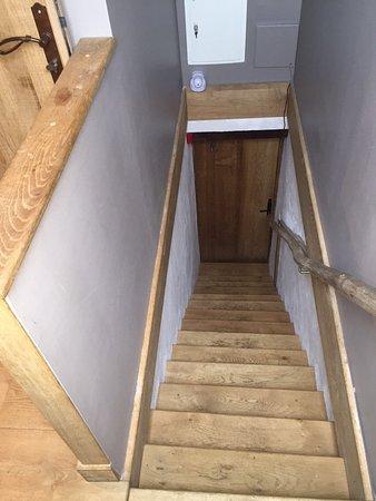 Barneville-la-Bertran, فرنسا: scala per accedere alla camera
