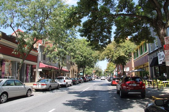 Frederick, Maryland: Market Street...the main drag in downtown Frederick