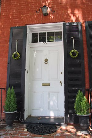Frederick, Maryland: Another one of the beautiful doors downtown