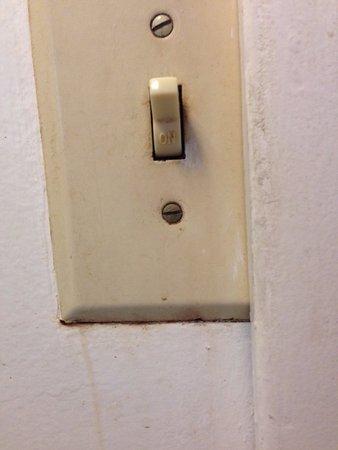 Starlite Motel : Nice switch plate