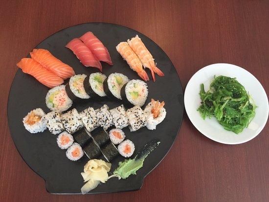 Stege Sushi har også noget anden end Sushi, hyggelig sted.  Stege Sushi have also other good tha