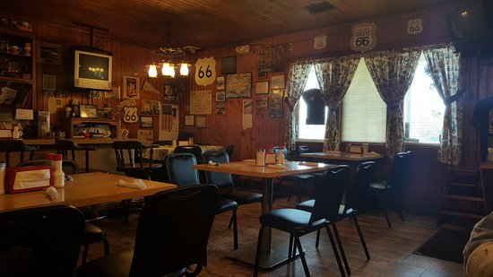 Pontiac, IL: Dining Room