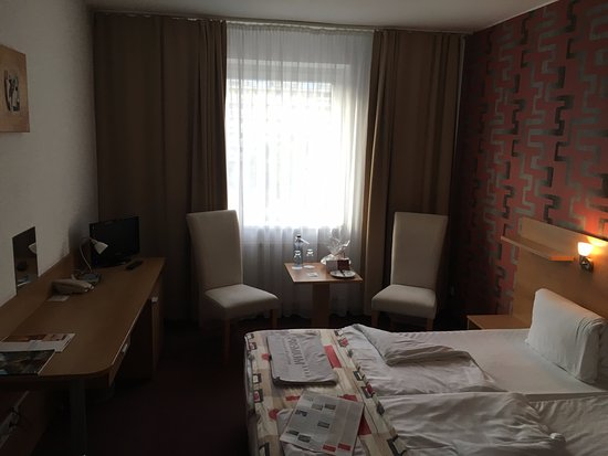 Premium Business Hotel Bratislava : room 214 disguised as non smoker