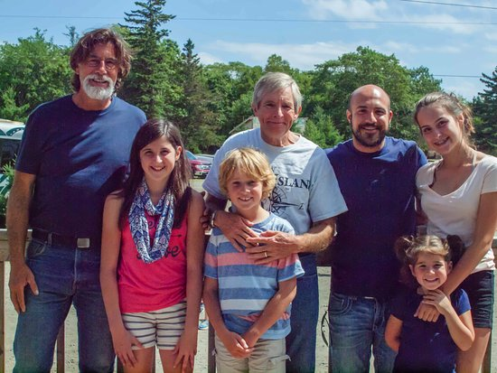 Oak Island, Canada: With the treasure hunters