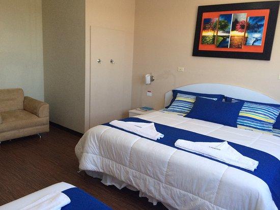 Puerto Baquerizo Moreno, เอกวาดอร์: Hotel Algarrobos