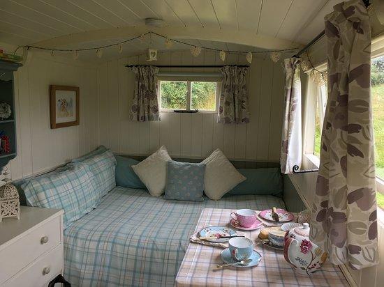 Crediton, UK: Inside the Shepherd's Hut