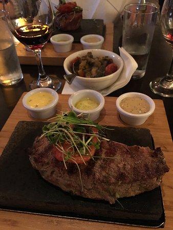 Dalkey, İrlanda: Die Steaks auf dem heissen Stein