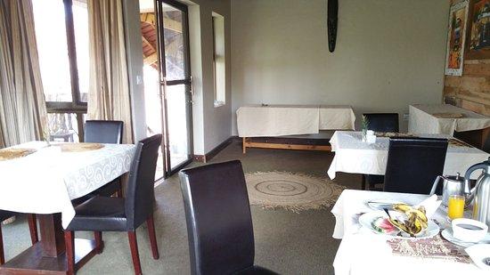 Zawadi House Lodge: Dining room