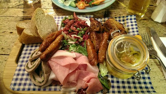 Hollingbourne, UK: Food great.Cider was ace.