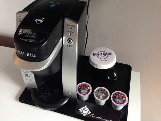 Hard Rock Hotel Chicago: Coffee machine in suite 3001 - but - only ONE COFFEE MUG for a suite with two people in it?????