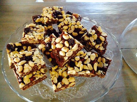 Bordeira, Portugal: Peanut chocolate squares