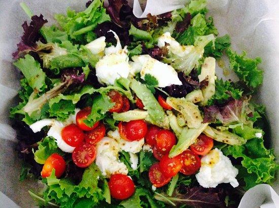 Bordeira, Portugal: Mozzarella salad