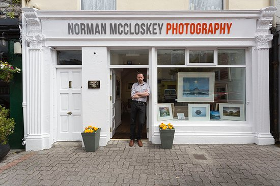 Kenmare, Ireland: The gallery exterior and the photographer !
