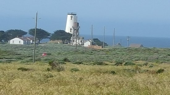 "Piedras Blancas Light Station : Interesting ""topless"" lighthouse"