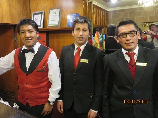 Terra Andina Colonial Mansion: Front Desk David, Jhon, and ??/