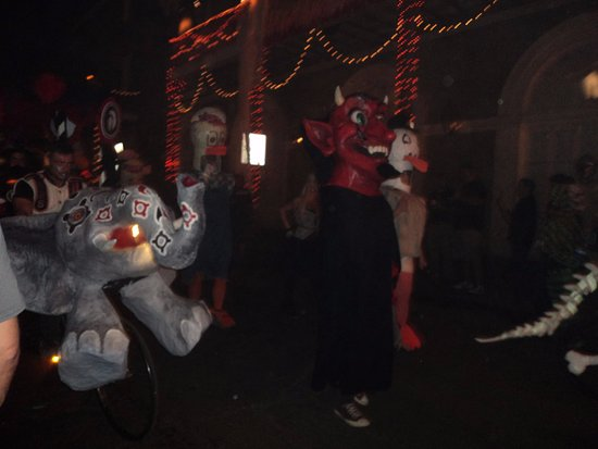 Andrew Jackson Hotel: Halloween parade in street by hotel