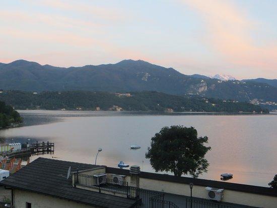 Fontaine Bleue Hotel: Amanecer desde el balcón