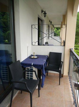 Fontaine Bleue Hotel: Balcón de la habitación