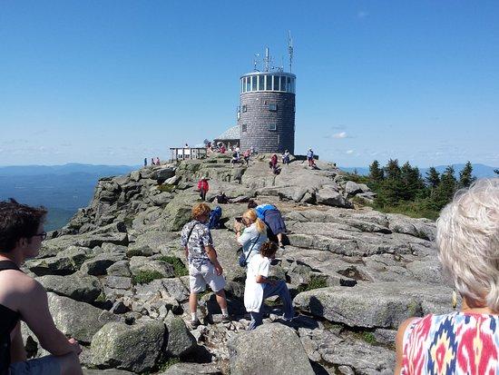 วิลมิงตัน, นิวยอร์ก: the weather station at the summit