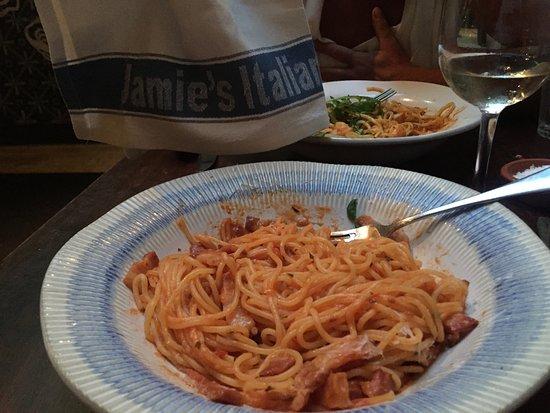 Jamie's Italian: Amatriciana.