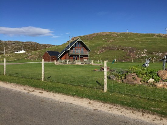 Clachtoll, UK: Fabulous site, super clean, well serviced and located in spectacular scenery. Brilliant staff co
