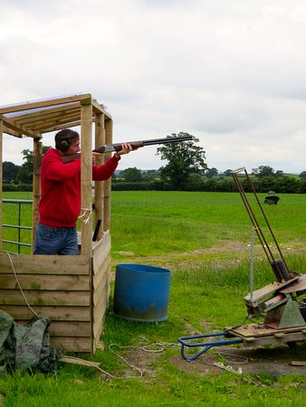 Sturminster Newton, UK: Hands on to start with but then left to handle the challenge alone