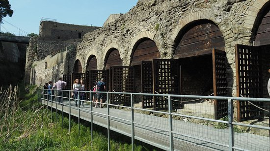 Ercolano, Italie : The dock platforms