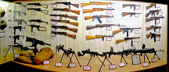 Point Lookout, MO: The Ralph Foster Museum Machine Gun Collection