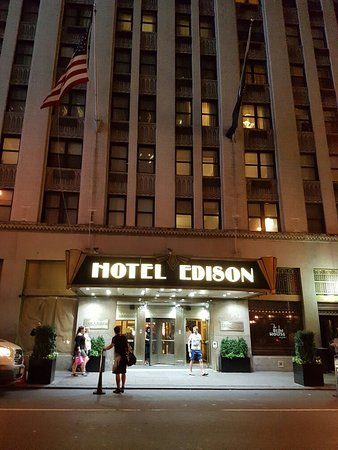 20160814_222846_large.jpg - Picture of Hotel Edison Times Square, New York City - TripAdvisor