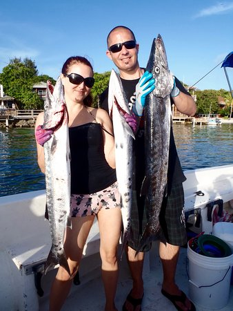 West End, Honduras: Dinner... Catch of the day!