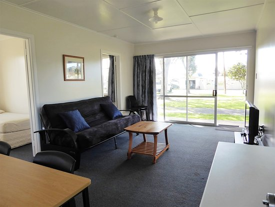 Harbourside Holiday Park: lounge two-bedroomed flat