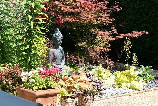 Tinqueux, Frankrijk: Jardin zen , au calme.