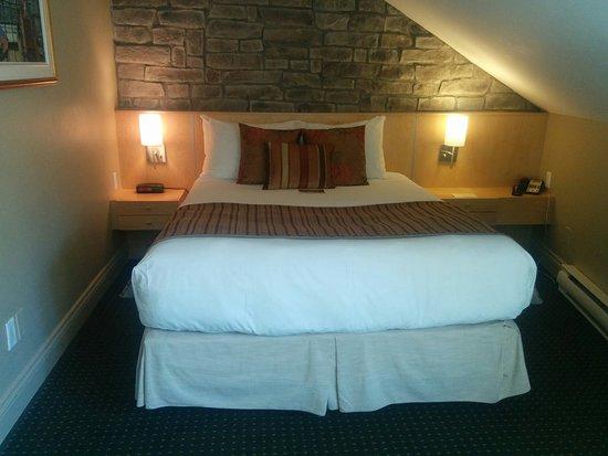 Hotel du Vieux-Quebec: IMG_20160827_114429_large.jpg